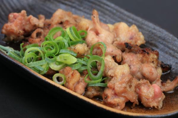 西中島南方の焼鳥屋 阿波座チキンは6/27の営業を開始いたしました。