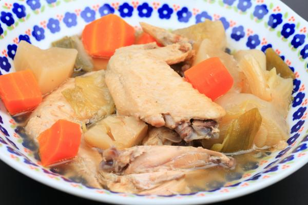 西中島南方の鶏料理屋 阿波座チキンは7/5の営業を開始いたしました。